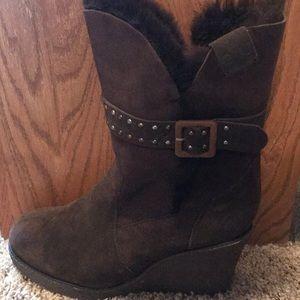 Emu chocolate brown boots